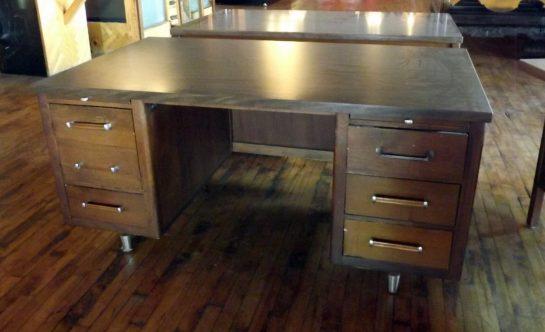 Alma Furniture MCM Style Desk – Salvage e