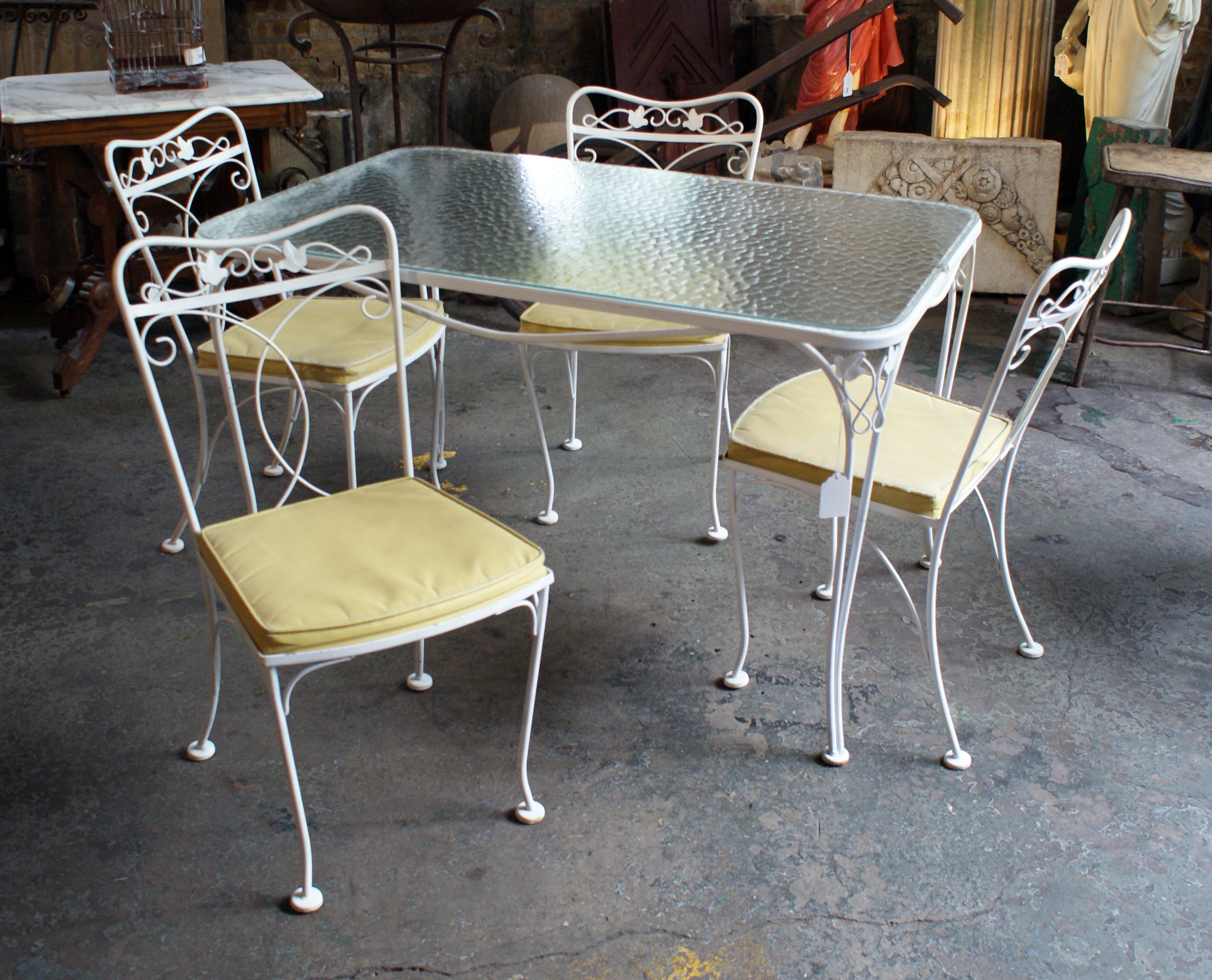 Vintage patio table w glass top and 4 yellow seat chairs for Outdoor furniture yellow